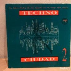 Disques de vinyle: VARIOUS – TECHNO CIUDAD 2. DISCO VINILO. ESTADO VG+/VG+. 1993. Lote 230164185