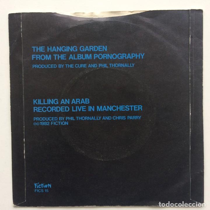 Discos de vinilo: The Cure – The Hanging Garden / Killing An Arab UK,1982 - Foto 2 - 230286955