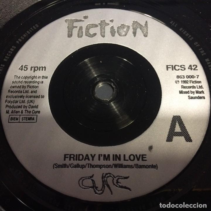 Discos de vinilo: Cure – Friday Im In Love / Halo UK,1992 - Foto 3 - 230283450