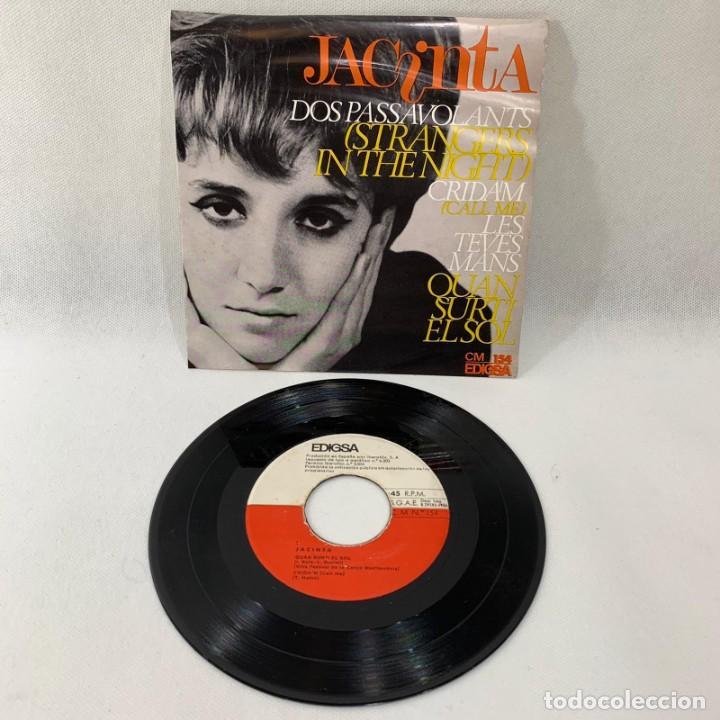 SINGLE JACINTA -- DOS PASSAVOLANT (STRANGERS IN THE NIGHT) -- 1966 BARCELONA (Música - Discos - Singles Vinilo - Cantautores Españoles)