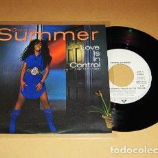 Discos de vinilo: DONNA SUMMER - LOVE IS IN CONTROL (FINGER ON THE TRIGGER) - SINGLE - 1982. Lote 117450307