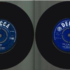 Discos de vinilo: THE MOODY BLUES = LOS DOS SINGLES MAS ANTIGUOS: GO NOW (1964) Y TIME IS ON MY SIDE (1965) + 1 REGALO. Lote 231193485