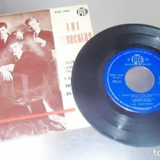 Discos de vinilo: THE SEARCHERS --- SWEETS FOR MY SWEET / TWIST AND SHOUT +2 ---ORIGINAL AÑO 1963---( VG+ ). Lote 231196010