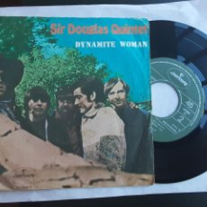 Discos de vinil: EP PORTUGUÉS, SIR DOUGLAS QUINTET, DYNAMITE WOMAN, TOO MANYDOCILED MINDS, AT THE CROSSROADS + 1. Lote 231959000