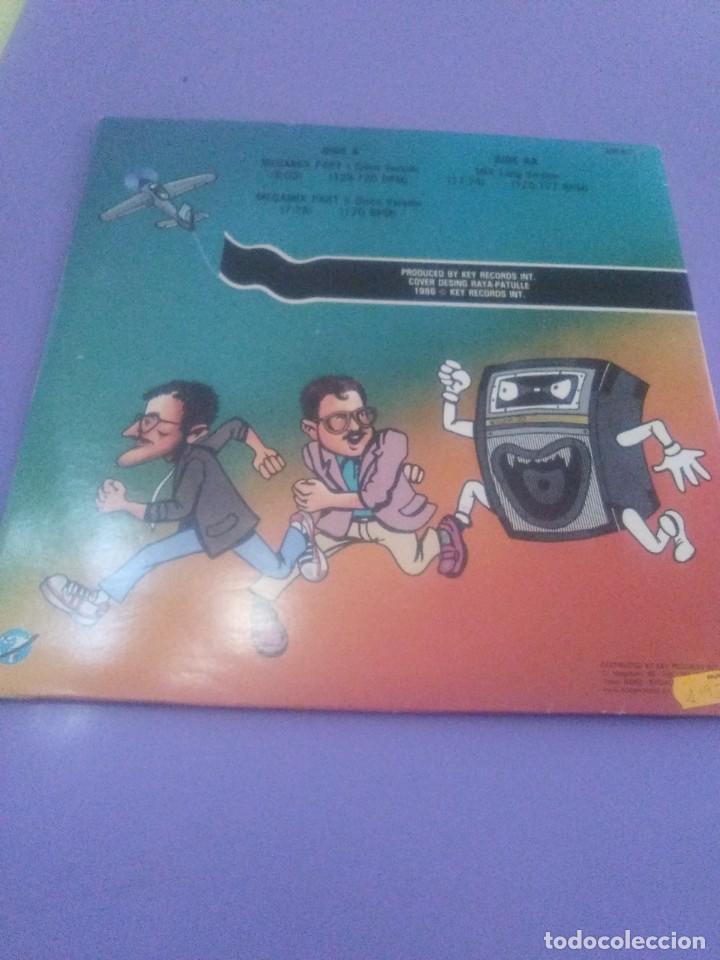 Discos de vinilo: LP.DISC JOCKEY MIX.LET S GO TO THE MIX.1986. EL 1er MEGAMIX EN COLOR - JAVIER USSIA/MIKE PLATINAS. - Foto 8 - 232027605