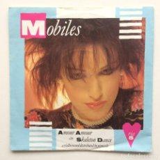 Discos de vinilo: MOBILES – AMOUR AMOUR / SKELETON DANCE UK,1982. Lote 232594195