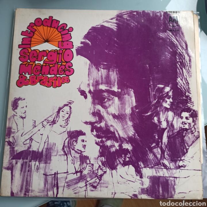 SERGIO MENDES & BRASIL 66 - INTRODUCING SERGIO MENDES & BRASIL 66 (A&M RECORDS, UK, 1969) (Música - Discos - LP Vinilo - Jazz, Jazz-Rock, Blues y R&B)