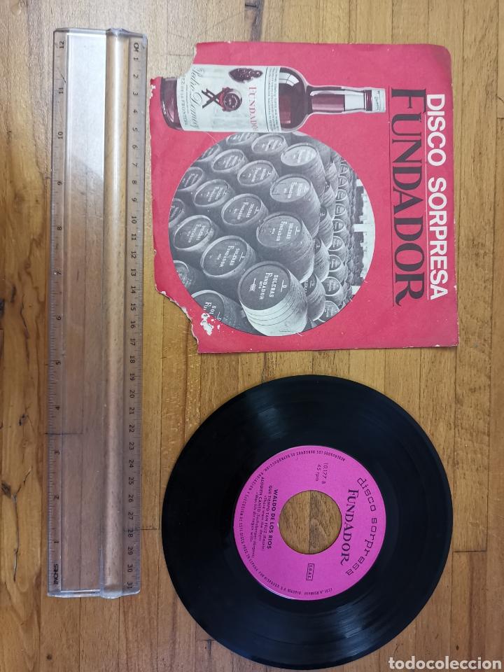 DISCO DE VINILO DE 45RPM FUNDADOR SORPRESA WALDO DE LOS RÍOS 1969 (Música - Discos de Vinilo - Maxi Singles - Solistas Españoles de los 50 y 60)