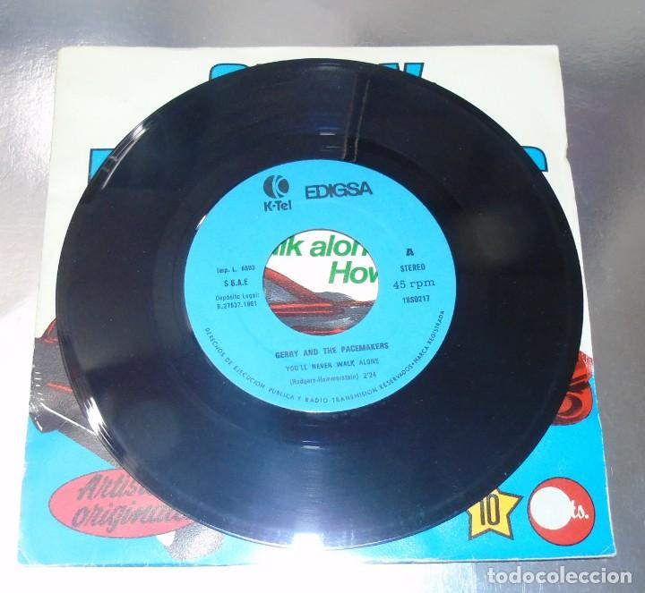 Discos de vinilo: GERRY & THE PACEMAKERS --YOULL NEVER WALK ALONE ---- HOW DO YOU DO IT---VINILO y FUNDA ( NM or M- ) - Foto 4 - 176999557