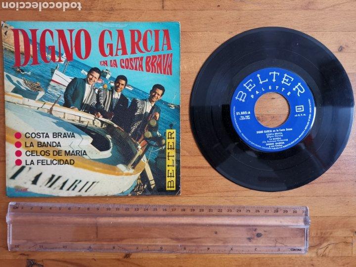 DISCO DE VINILO DE 45RPM DE DIGNO GARCÍA, EN LA COSTA BRAVA. DE 1968 (Música - Discos de Vinilo - Maxi Singles - Solistas Españoles de los 50 y 60)