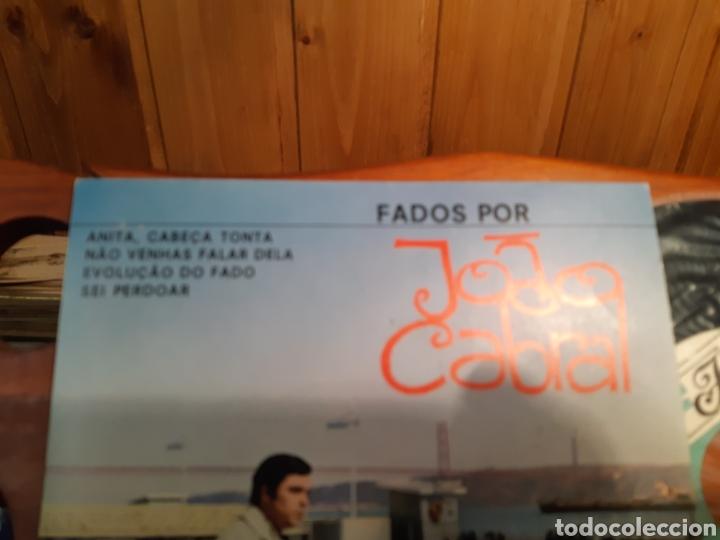 Discos de vinilo: Antiguo disco de vinilo de Fados por Joao cabral con autógrafo del cantante - Foto 2 - 233733615