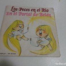 Discos de vinilo: VILLANCICOS. LOS PECES EN EL RIO / EN EL PORTAL DE BELÉN. MOVIEPLAY. AÑO 1.972, VINILO ROJO. Lote 234379825