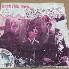Disques de vinyle: SINGLE - STRAY CATS - ROCK THIS TOWN / CANT HURRY LOVE. Lote 234480195