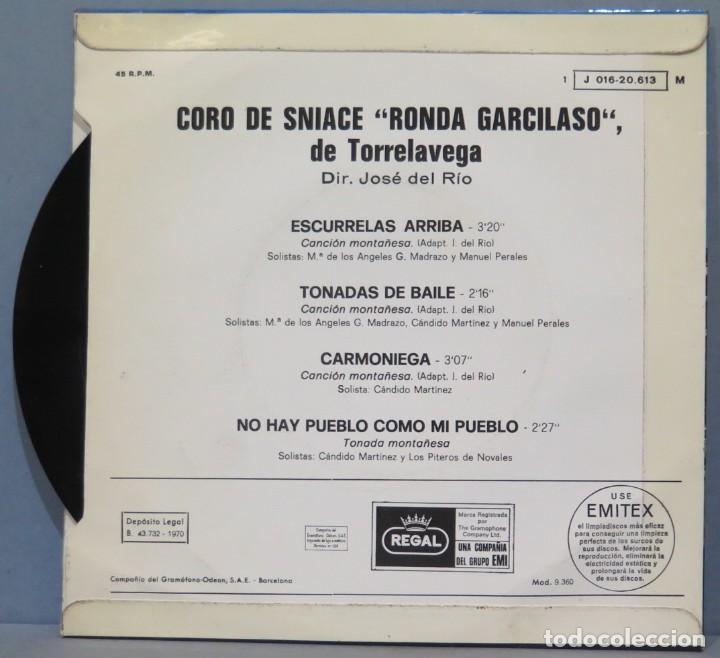 Discos de vinilo: EP. CORO DE SNIACE RONDA GARCILASO DE TORRELAVEA. ESCURRELAS ARRIBA - Foto 2 - 234578915