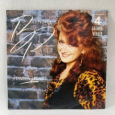 Discos de vinilo: SINGLE BONNIE RAITT - HAVE A HEART - EUROPA - AÑO 1990. Lote 234843560
