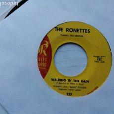 Discos de vinilo: THE RONETTES – WALKING IN THE RAIN - SINGLE 1964 USA VG. Lote 234858480