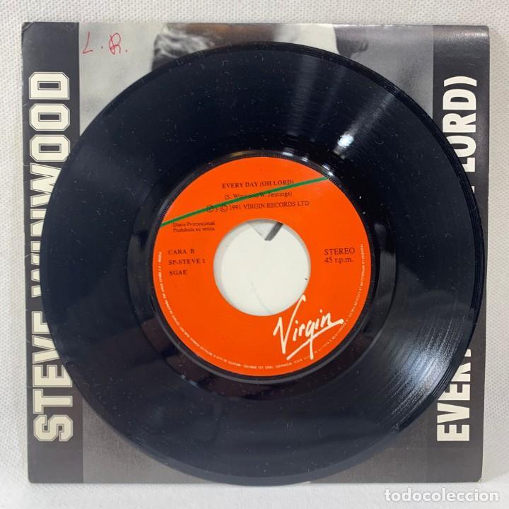 Discos de vinilo: SINGLE STEVE WINWOOD - EVERY DAY (OH LORD) - ESPAÑA - AÑO 1991 - Foto 3 - 234903030