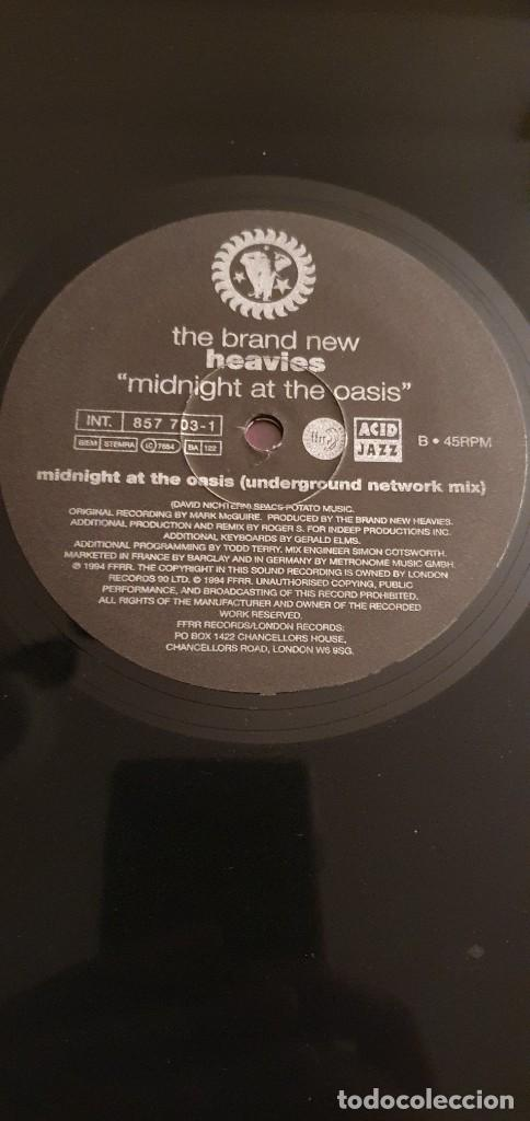 "Discos de vinilo: The Brand New Heavies ‎– Midnight At The Oasis Label: London Records ‎– 857 697-1 Format: Vinyl, 12"" - Foto 3 - 234936575"