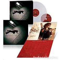 Discos de vinilo: BUNBURY - CURSO DE LEVITACION INTENSIVO. VINILO TRANSPARENTE + CD + CALENDARIO 2021. Lote 235028650