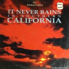 Discos de vinilo: THE INMORTALES - IT NEVER RAINS (MEGABEAT). Lote 235239080