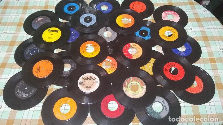 LOTE 27 VINILOS SINGLES CON DEFECTO (Música - Discos - Singles Vinilo - Otros estilos)