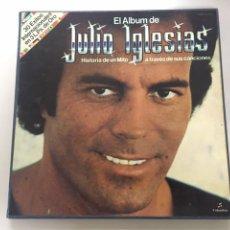 Discos de vinilo: EL ALBUM DE JULIO IGLESIAS / 30 ÉXITOS INTERNACIONALES EN 3 LPS DE ORO. Lote 236160110