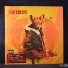 Discos de vinilo: THE TWANG - LOVE IT WHEN I FEEL LIKE THIS - 2 LP. Lote 236627275