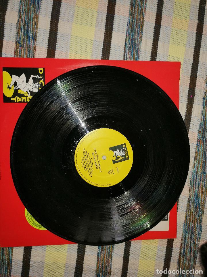 Discos de vinilo: LOTE 2 DISCOS RAP/HIP HOP. MUTHA HOOD -TEAR THE ROOF OFF, Y RICHIE RICHS-RAP ACADEMY - Foto 2 - 236662025
