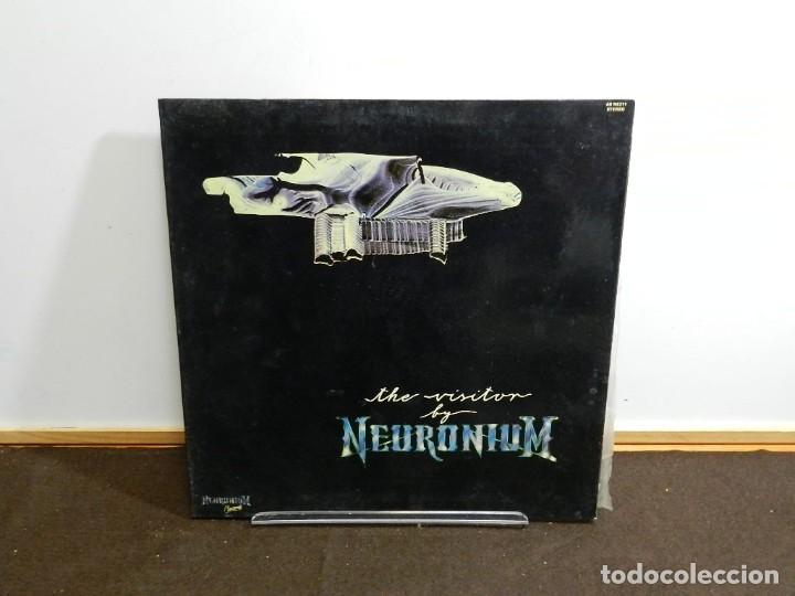 DISCO VINILO LP. NEURONIUM – THE VISITOR. 33 RPM. (Música - Discos - LP Vinilo - Electrónica, Avantgarde y Experimental)