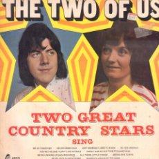 Discos de vinilo: THE TWO OF US - TWO GREAT COUNTRY STARS / LP BRL 4035 / BUEN ESTADO RF-9062. Lote 237375130