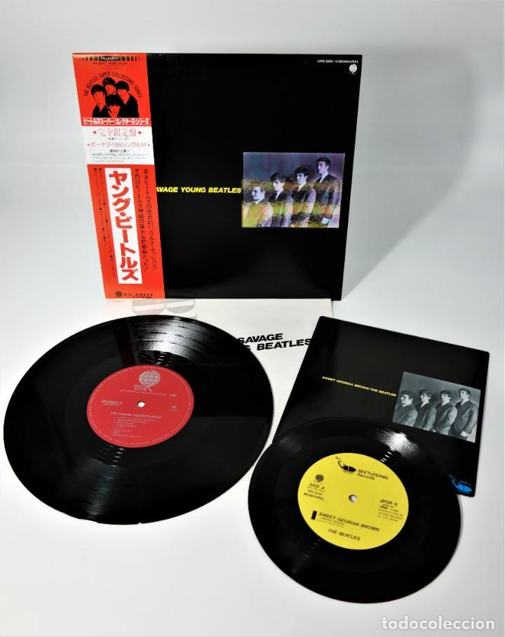 Discos de vinilo: The Beatles–The Savage Young Beatles/ Collectors Treasure From The Beatles With Special Hologram - Foto 2 - 237472675