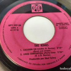 Discos de vinilo: EP THE KINKS - DANDY - DISCO INSERVIBLE. Lote 237559785