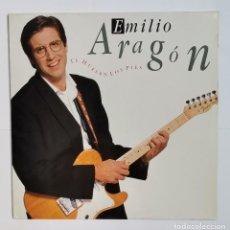 Discos de vinilo: EMILIO ARAGON TE HUELEN LOS PIES LP 1990. Lote 237779635