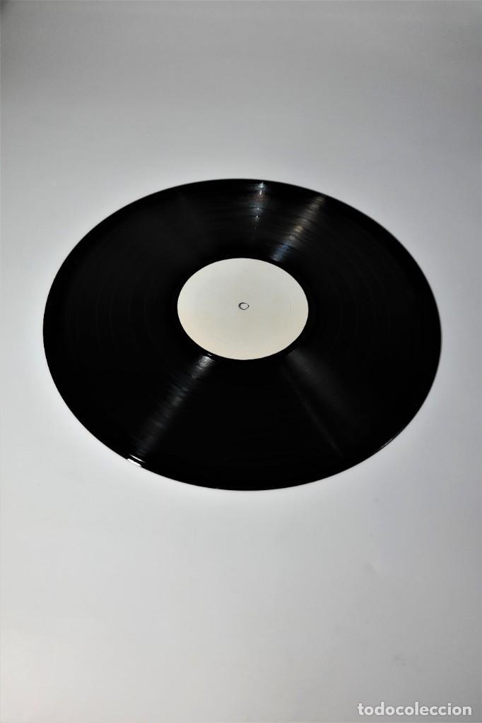 Discos de vinilo: The Beatles – No. 3 Abbey Road NW8 / Collectors Record (white label-version ) - Foto 3 - 238002500