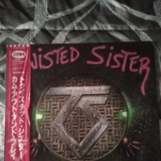 "Discos de vinilo: TWISTED SISTER "" COME OUT AND PLAY "". EDICIÓN JAPÓN. CON OBI + LETRAS EN INGLÉS Y JAPONÉS. 1985.. Lote 238274010"