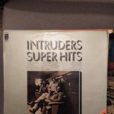 Discos de vinilo: INTRUDERS SUPER HITS: THE PHILADELPHIA SOUND ED ESPAÑA 1974. Lote 238596025