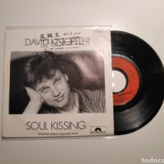 Disques de vinyle: DAVID KNOPFLER (DIRE STRAITS), SOUL KISSING. SINGLE VINILO 45RPM. Lote 238678560