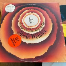 Disques de vinyle: STEVIE WONDER (SONGS IN THE KEY OF LIFE) 2 X LP GAT. (B-21). Lote 238879295