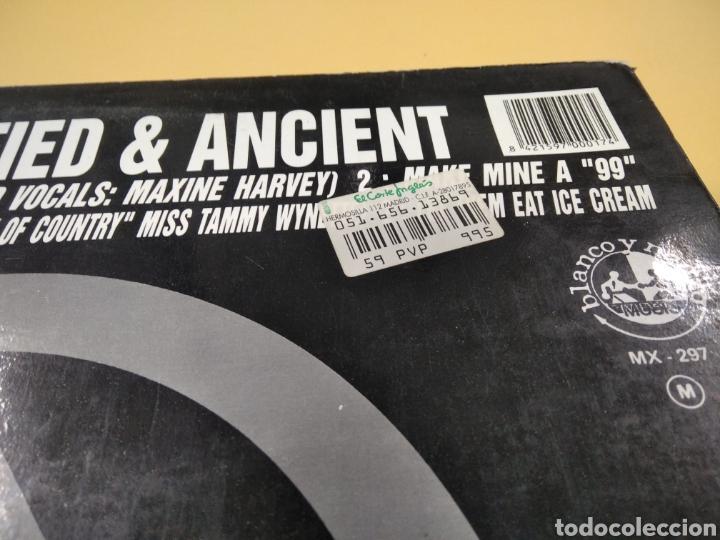 Discos de vinilo: The KLF Justified & Ancient Lp - Foto 3 - 239549520
