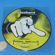 Discos de vinilo: DISCO DE VINILO - JAZZBERRI - MOVING TO THE BEAT. Lote 240608810