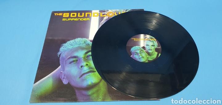 Discos de vinilo: DISCO DE VINILO - THE SOUND LOVERS - SURRENDER - Foto 2 - 240623685