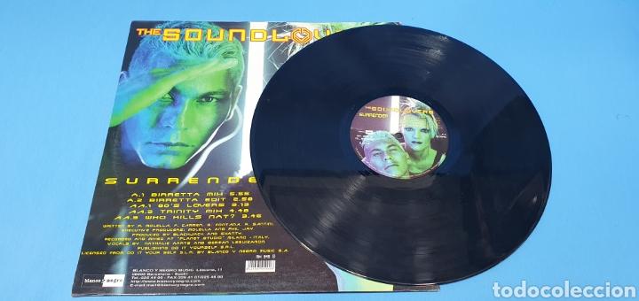 Discos de vinilo: DISCO DE VINILO - THE SOUND LOVERS - SURRENDER - Foto 3 - 240623685