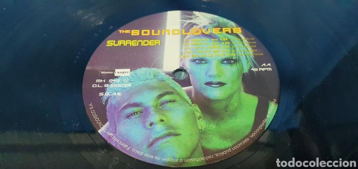 Discos de vinilo: DISCO DE VINILO - THE SOUND LOVERS - SURRENDER - Foto 4 - 240623685