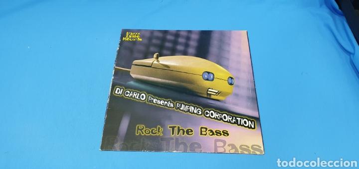 DISCO DE VINILO - ROCK THE BASS - DI CARLI PRESENTS PUMPING CORPORATION (Música - Discos de Vinilo - Maxi Singles - Pop - Rock Internacional de los 90 a la actualidad)