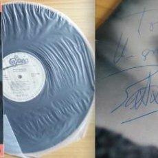 Discos de vinilo: PATXI ANDIÓN FIRMA A MANO SU LP AMOR PRIMERO, 1983. FUNDA CON LETRA Y DOBLE PLIEGO CON FOTO Y TEXTOS. Lote 241805950