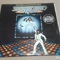 Disques de vinyle: BANDA SONORA - SATURDAY NIGHT FEVER DOBLE LP 1977 EDICION ESPAÑOLA. Lote 241977660