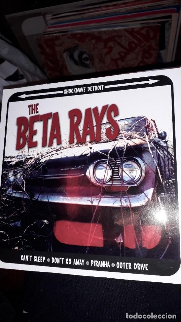 "E.P. 7"" 45 RPM - THE BETA RAYS ""CAN'T SLEEP"", ""DON'T GO AWAY""//""PIRANHA"",""OUTER DRIVE"" (GARAGE ROCK) (Música - Discos de Vinilo - EPs - Pop - Rock Internacional de los 90 a la actualidad)"