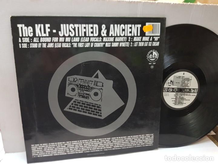 Discos de vinilo: DISCO EPS 33 -THE KLF-JUSTIFIED & ANCIENT- en funda original 1991 - Foto 2 - 243138025