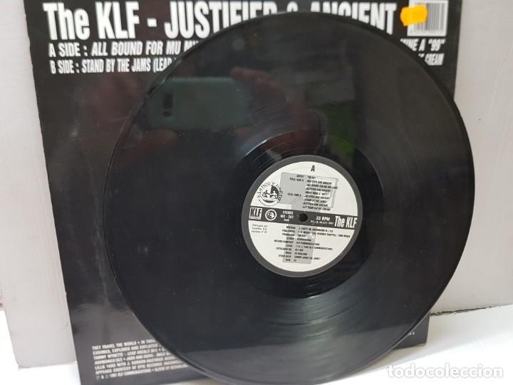 Discos de vinilo: DISCO EPS 33 -THE KLF-JUSTIFIED & ANCIENT- en funda original 1991 - Foto 3 - 243138025