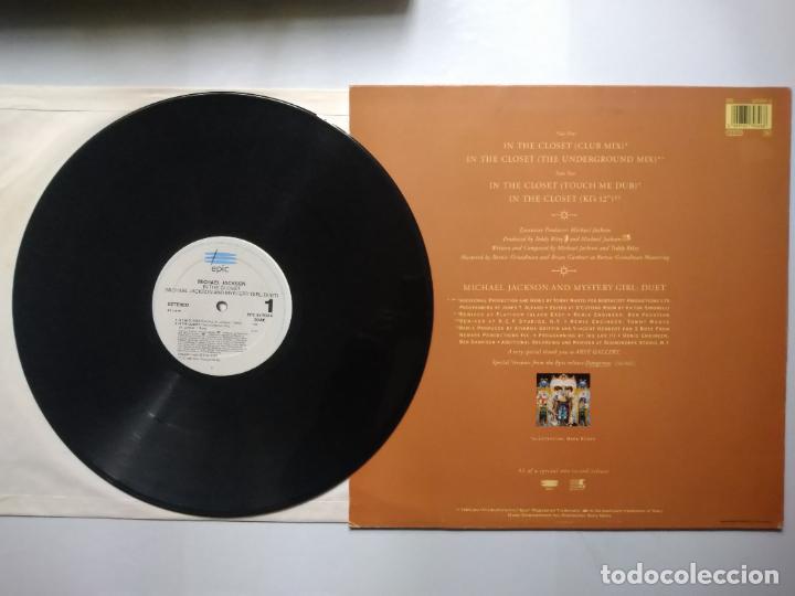 Discos de vinilo: MAXI-SINGLE MICHAEL JACKSON. IN THE CLOSET, MIXES BEHIND DOOR. 1992. - Foto 2 - 243182850